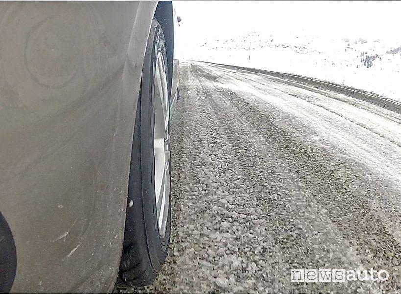 Come si comporta la gomme invernale GT Radial Champiro Winterpro sul ghiaccio