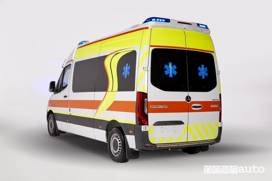 Vista posteriore ambulanza Mercedes-Benz Sprinter Olmedo