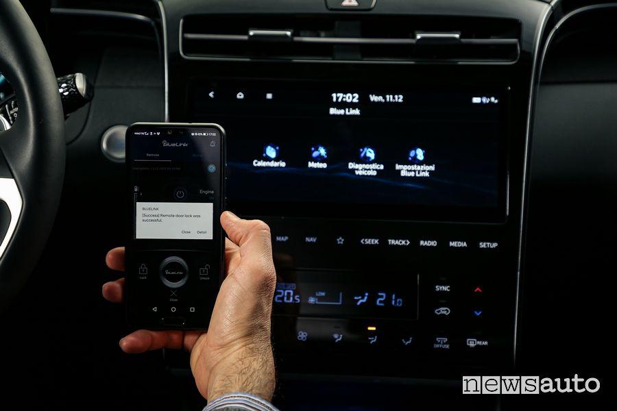 Infotainment Blue Link abitacolo nuova Hyundai Tucson Hybrid