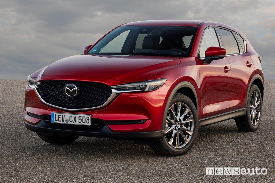Vista di profilo Mazda CX-5 2021 Soul Red Crystal