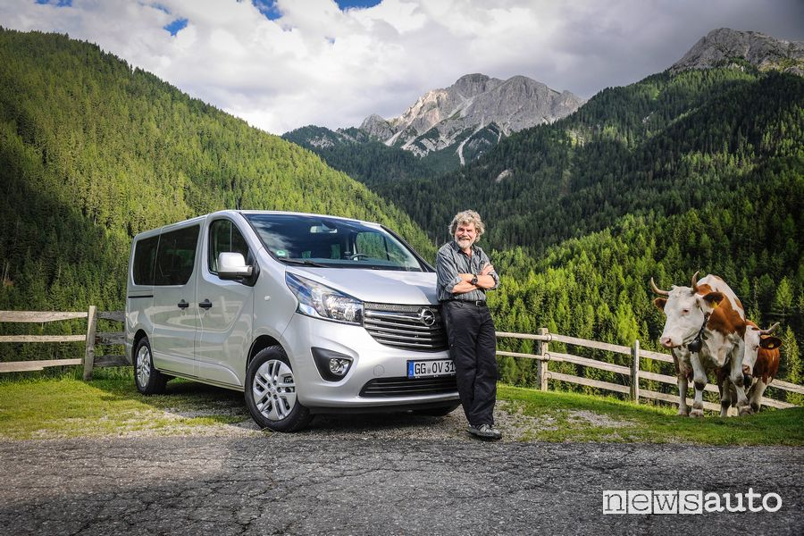 Opel Vivaro-B con Reinhold Messner