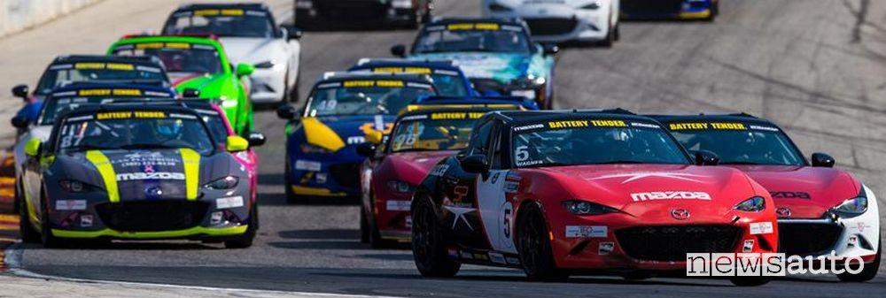 Bagarre nel Campionato 2021 Mazda MX-5 Cup Series