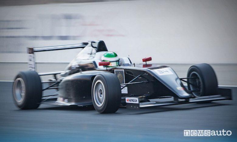 Giovani piloti italiani, Enzo Trulli campione F4 UEA a Dubai