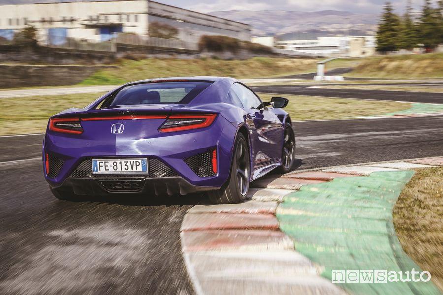 Vista posteriore Honda NSX prova in pista all'SAM di Anagni