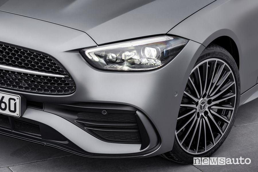 Faro anteriore nuova Mercedes-Benz Classe C