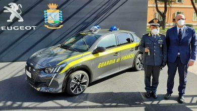 Photo of L'auto elettrica della Guardia di Finanza è la Peugeot e-208