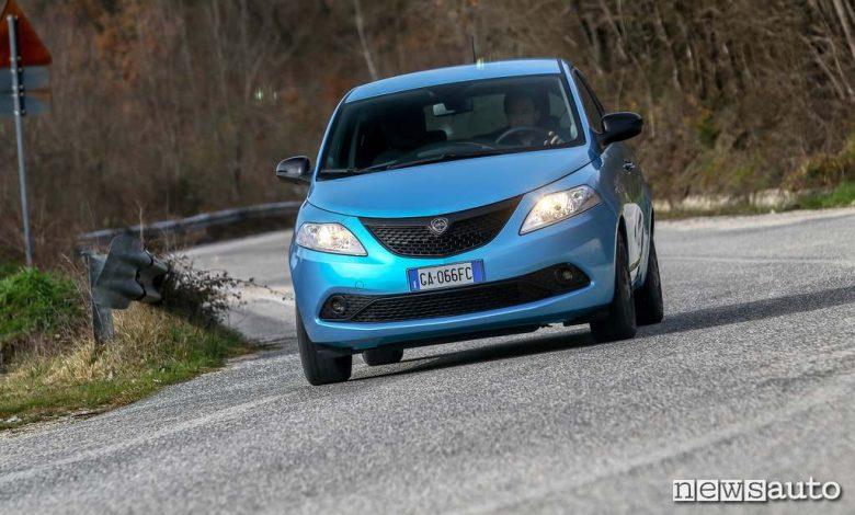 prova su strada Lancia Ypsilon Hybrid