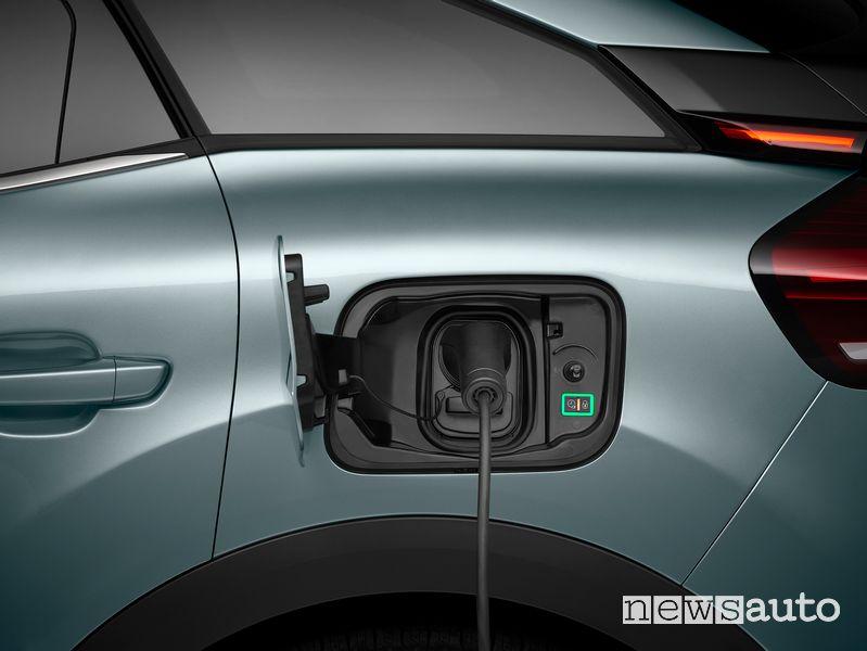 Citroën ë-C4 elettrica, indicatori LED per la ricarica
