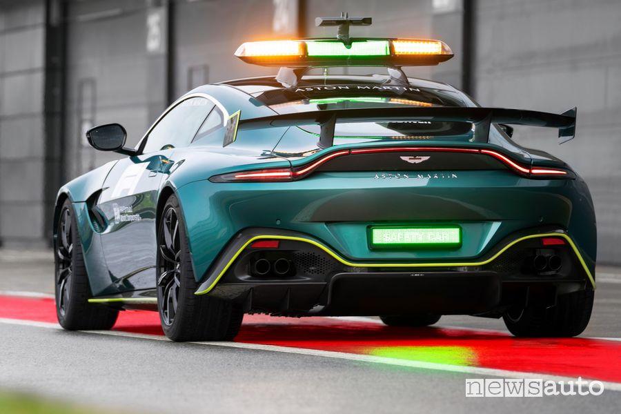 Vista posteriore Aston Martin Vantage safety car F1