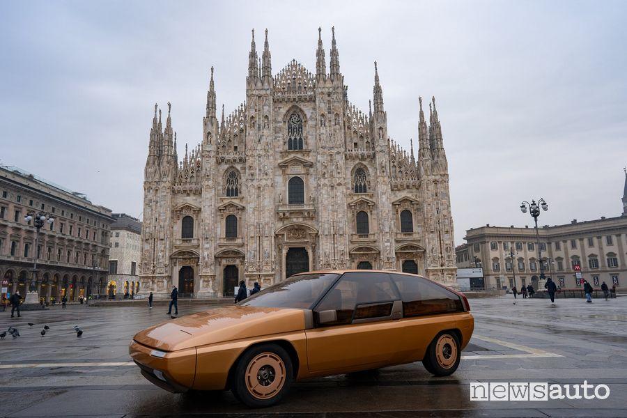 Mazda MX-81 concept in Piazza del Duomo a Milano