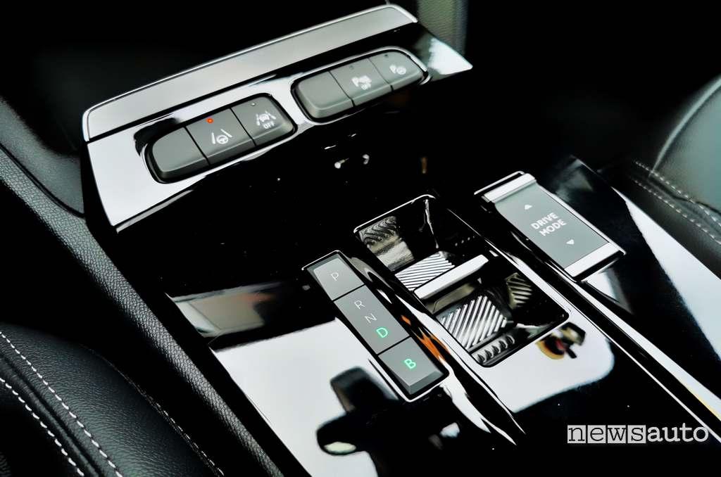 Selettore modalità guida e pulsante Brake di Opel Mokka-e