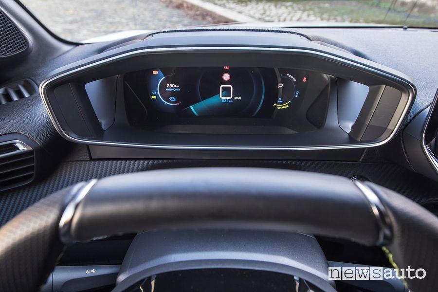 Quadro strumenti 3D i-Cockpit abitacolo Peugeot e-208 elettrica