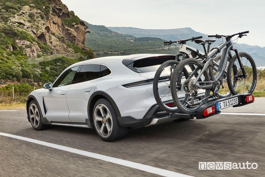 Porta biciclette portellone posteriore Porsche Taycan Cross Turismo