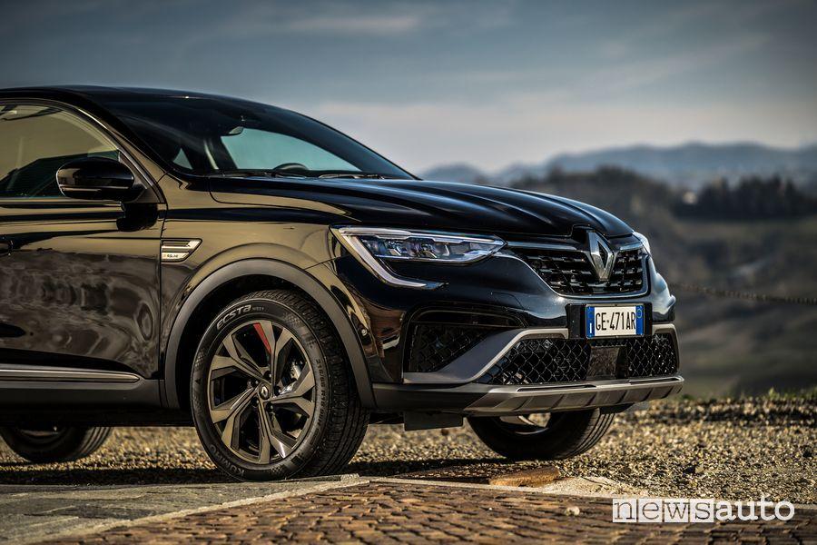 """Cerchi da 18"""", paraurti anteriore Renault Arkana R.S. Line"""