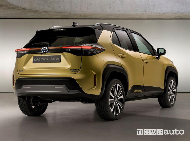 Vista posteriore Toyota Yaris Cross Premiere Edition