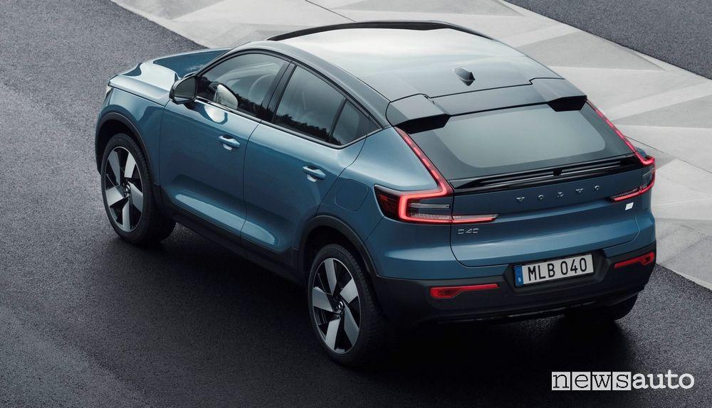 Vista posteriore Volvo C40 Recharge elettrica