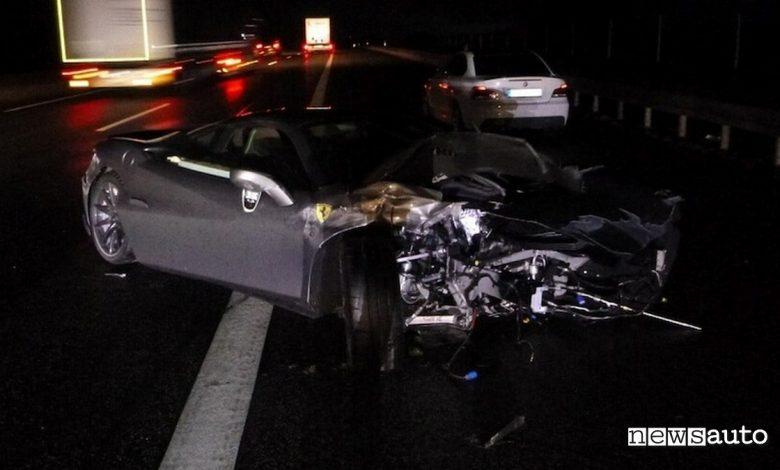 incidente auto Ferrari F8 Tributo Germania