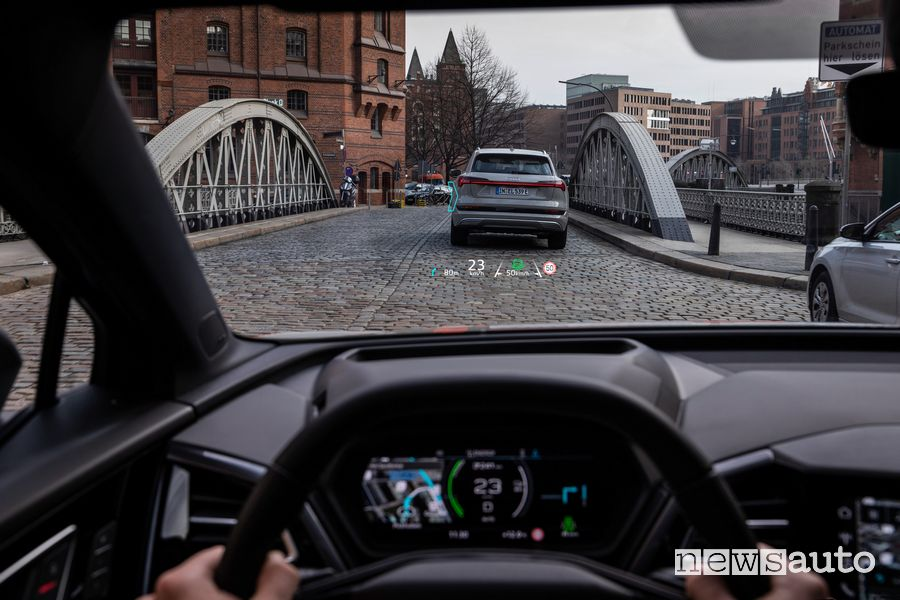 Head-up-Display abitacolo Audi Q4 Sportback 50 e-tron quattro