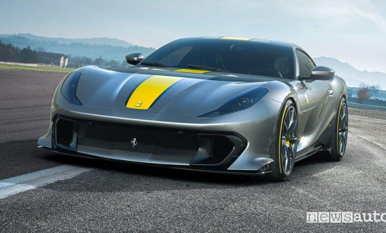 Nuova Ferrari 812 Competizione
