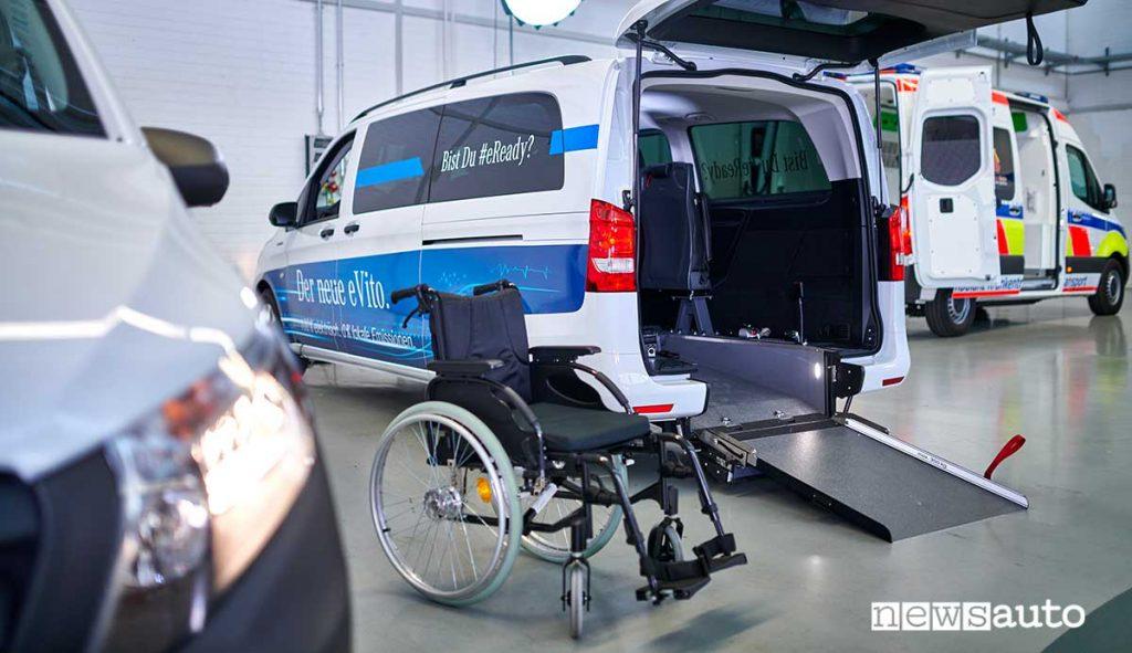 Mercedes-Benz eVito Tourer PRO furgone elettrico accessibile alle sedie a rotelle.