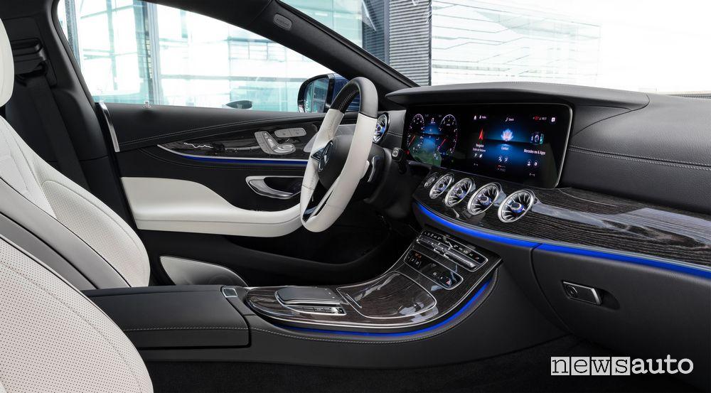 Plancia MBUX Mercedes-Benz CLS Coupé