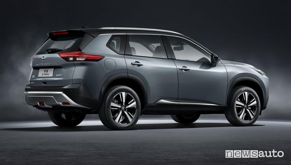 Vista posteriore nuovo Nissan X-Trail