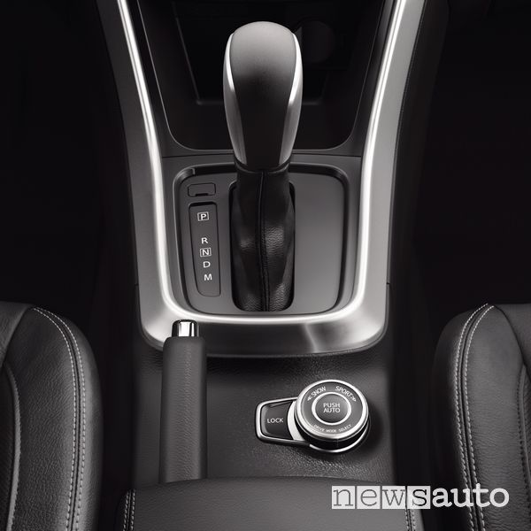 Leva cambio automatico abitacolo Suzuki S-Cross Hybrid