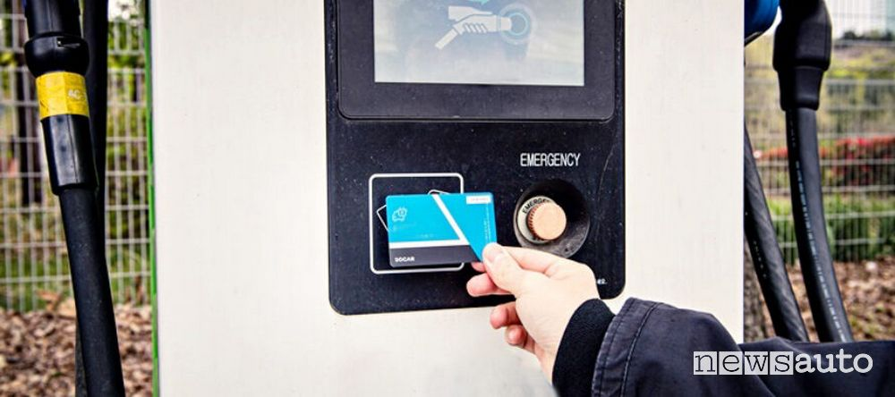 card RFID ricarica auto elettriche
