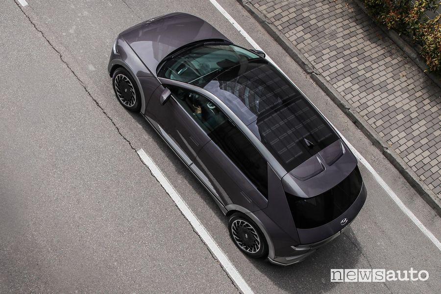 Tetto con pannelli solari nuova Hyundai Ioniq 5