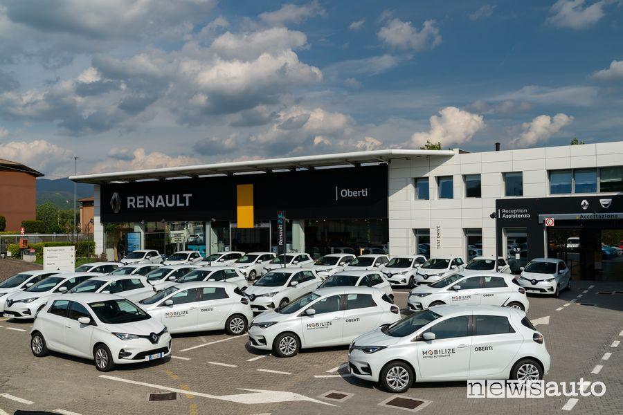 Renault Zoe del car sharing elettrico Mobilize nel concessionario Oberti di Bergamo