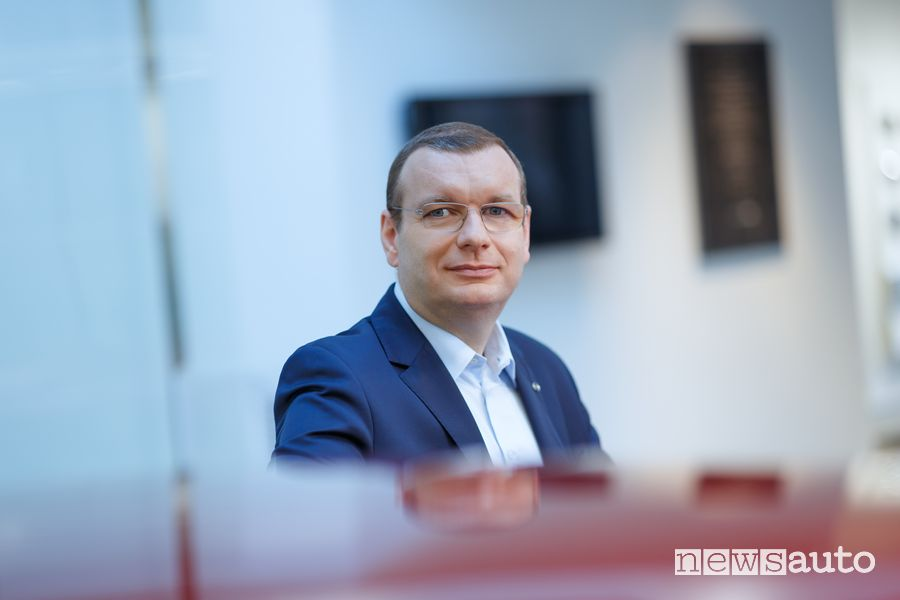Wojciech Halarewicz, Vice President Sales & Customer Service