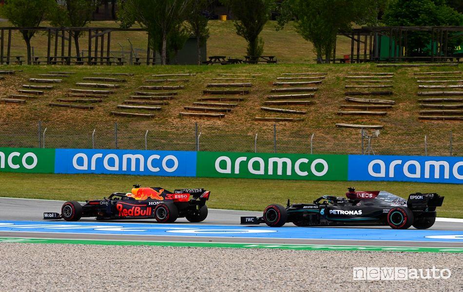 Hamilton al 59° giro ha effettuato il sorpasso decisivo ai danni di Verstappen