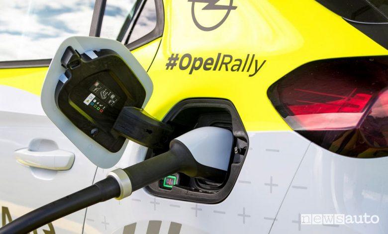 Opel Corsa elettrica, come funziona la ricarica nei rally