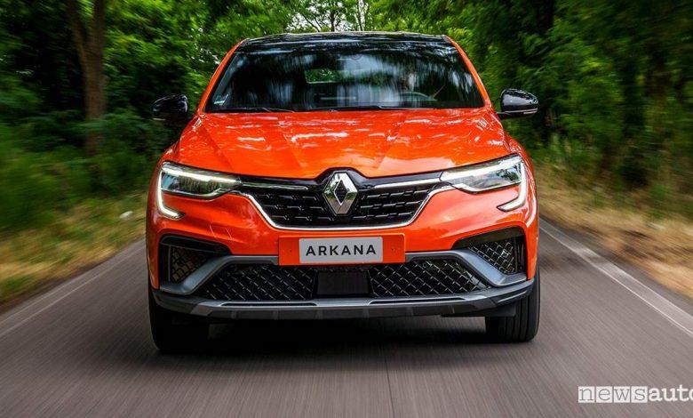 Prova su strada Renault Arkana E-TECH 145