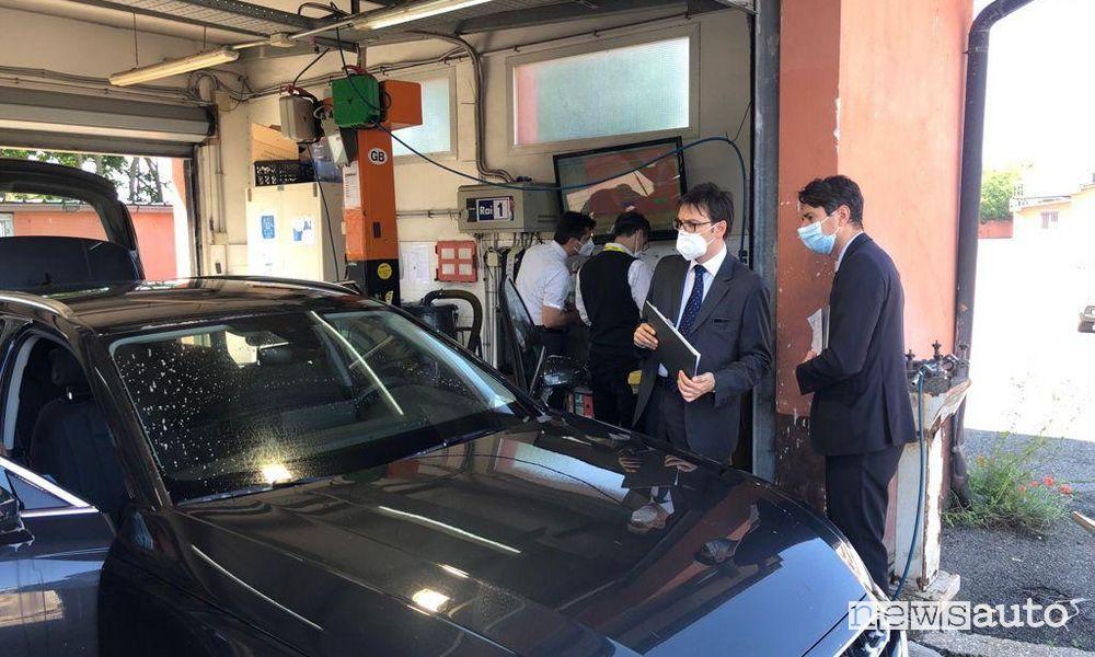 Sanificazione auto a noleggio Hertz certificata Dekra