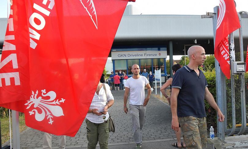 A seguito dei licenziamenti protestano i dipendenti presso lo stabilimento GKN a Campo Bisenzio.