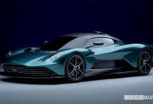 Vista di profilo Aston Martin Valhalla