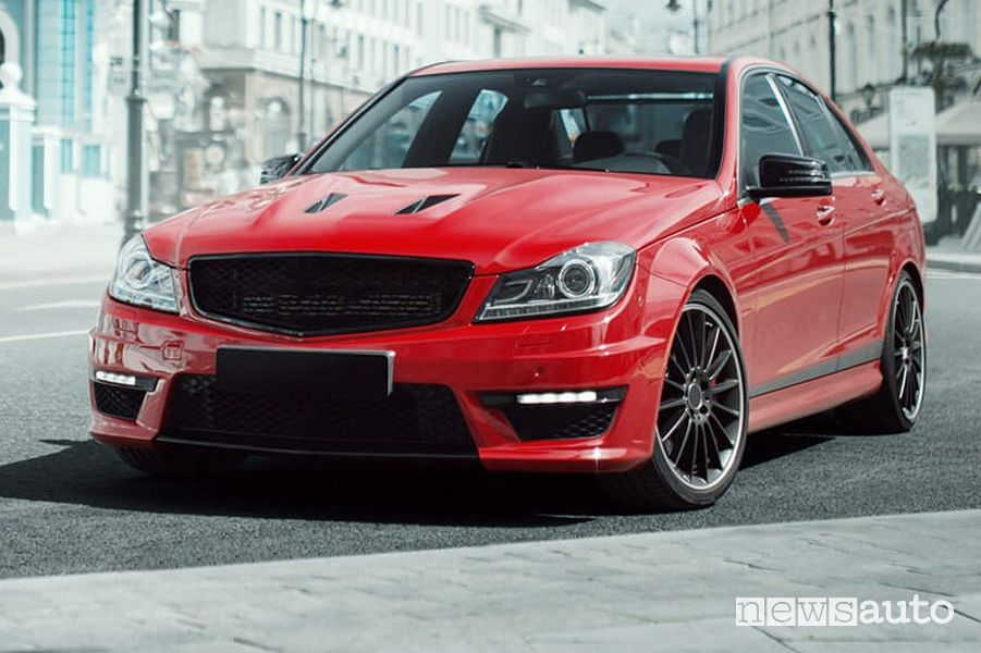 CST Adreno AD-R9 pneumatico per auto e SUV sportive