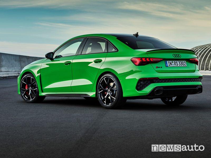 Vista posteriore nuova Audi RS 3 Sedan