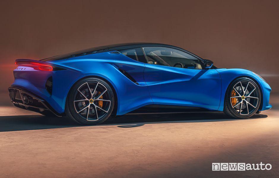 Vista posteriore nuova Lotus Emira