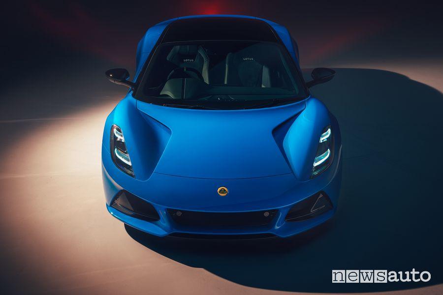 Vista anteriore nuova Lotus Emira