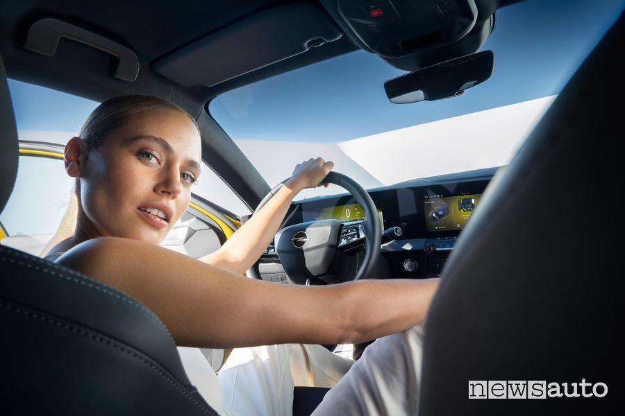 Alla guida della nuova Opel Astra