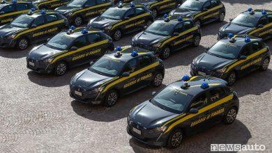 Flotta Peugeot e-208 elettriche alla Guardia di Finanza