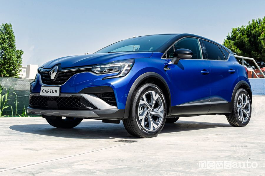 Vista di profilo Renault Captur E-Tech Hybrid R.S. Line