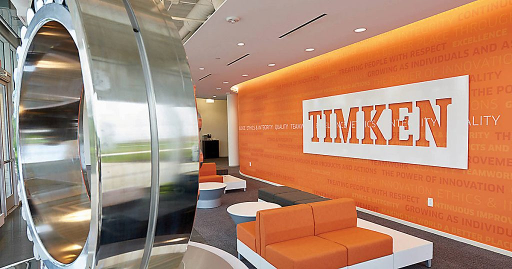 Nella fabbrica TIMKEN si producono cuscinetti a sfera