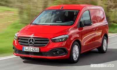 Vista di profilo nuovo Mercedes-Benz Citan