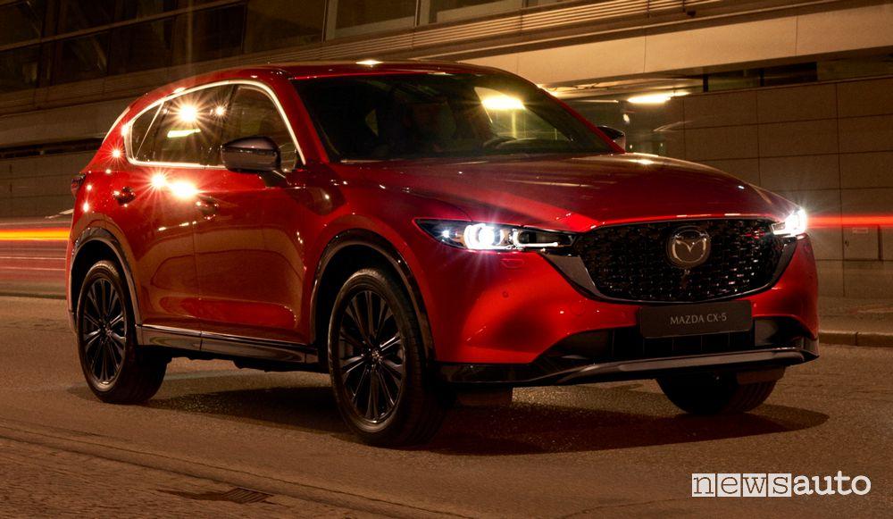 Vista di profilo nuova Mazda CX-5 2022 Homura