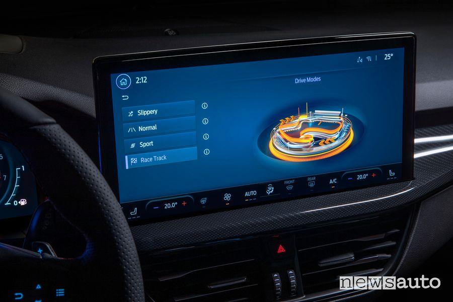 """Modalità di guida touchscreen 13,2"""" nuova Ford Focus ST"""